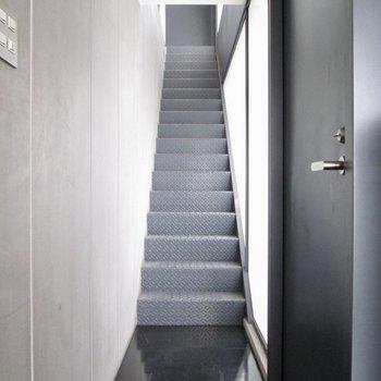 上の階に行ってみましょう〜※写真はクリーニング前のものです