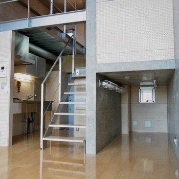 面白い絵ですなぁ!※写真は3階の反転間取りの別部屋のものです。