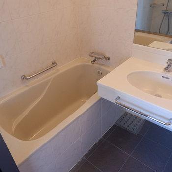 機能面の充実した浴室です。