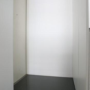 玄関も広いですね