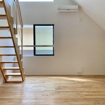 無垢床ですよ〜。サラサラです。※写真は前回募集時のものです