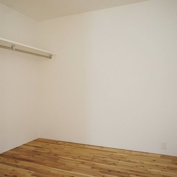 寝室、オープンクローゼットでスタイリッシュに収納! ※写真は前回募集のものです。