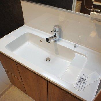 大きな洗面台、使いやすい!