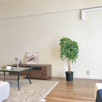 壁寄せで家具を置きやすいね。(※写真の家具と小物は見本です)