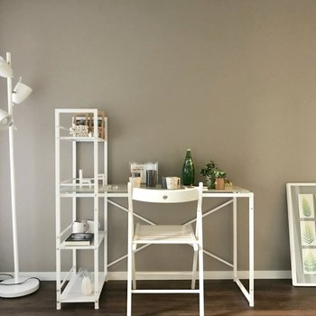 シンプルで家具も合わせやすい色味◎※写真は7階の同間取り別部屋、モデルルームのものです