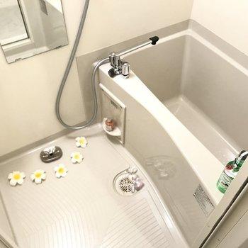 お風呂はシンプルに。けど使いやすく。※写真は7階の同間取り別部屋、モデルルームのものです