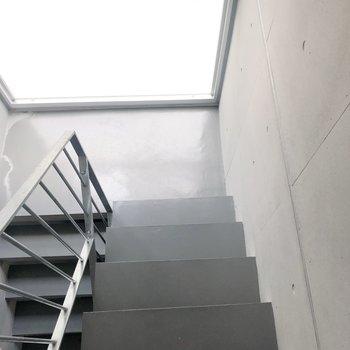 お部屋までは階段です。 そんなに辛くありませんでしたよ!