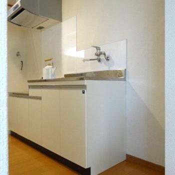 キッチン横に冷蔵庫スペースも◎