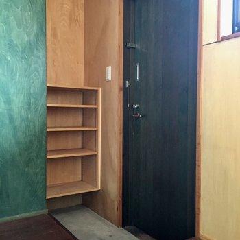 玄関はすっきりコンパクトに※写真は同タイプ別室のものです