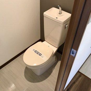 うんうん、トイレもシンプルでお掃除しやすそうだね。