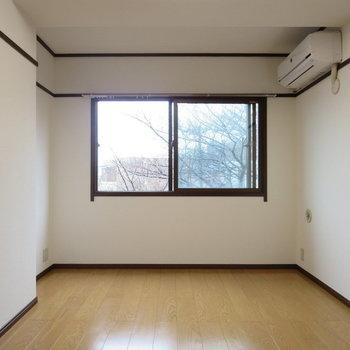 【洋室】ここにもエアコンがあるのありがたいです