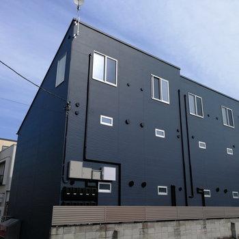 新築デザイナーズの建物