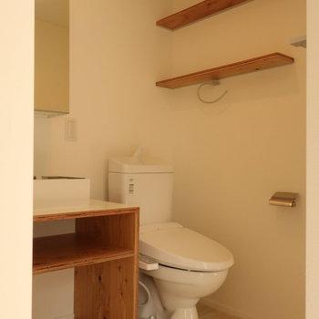 【3階】洗面台の横にトイレがあります!