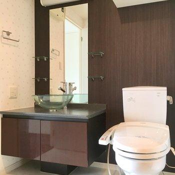 このお洒落すぎる洗面台。トイレも同じ空間ですが全然嫌じゃない!