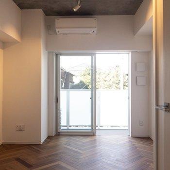 新築デザイナーズ! ※写真は2階の同間取り別部屋のものです。