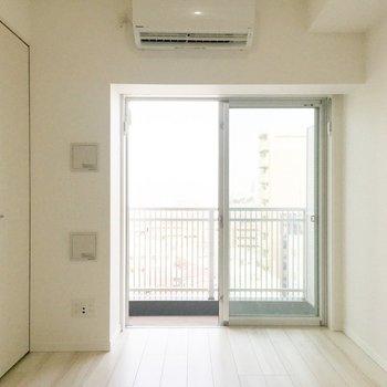 この白さ、どうやってメイクしていこうかな。※写真は9階の同間取り別部屋のものです