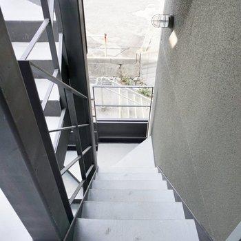 階段を上がって、すぐのところにあるお部屋。