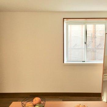 角部屋だからこそ!2面斜光って嬉しいな。(※写真は1階の反転間取り別部屋、モデルルームのものです)