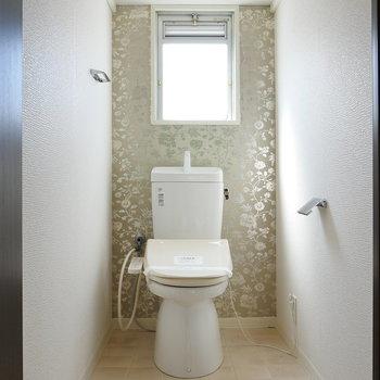 トイレには小窓!