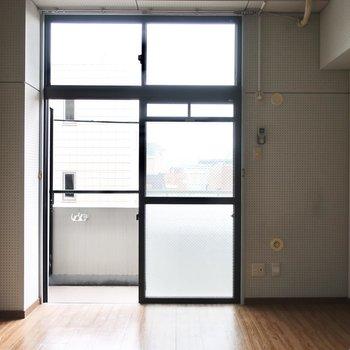 天井が高い分、窓もたっぷり!