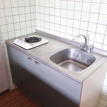 キッチンは小さめサイズなのです・・・