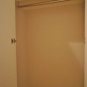 扉付き収納※写真は同タイプの別室