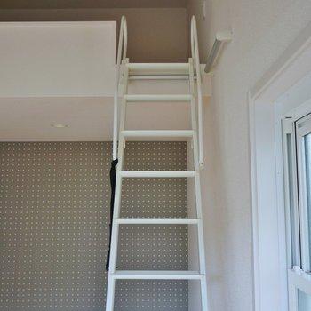 階段を登っていざロフトの上へ※写真は前回募集時のもの