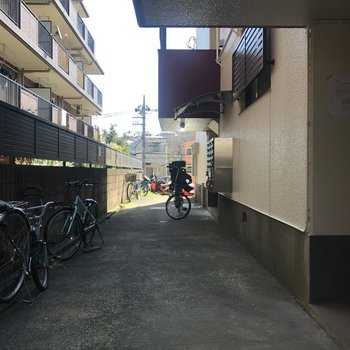 共用部には自転車、置けます!