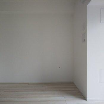 真っ白い壁が気持ち良い!