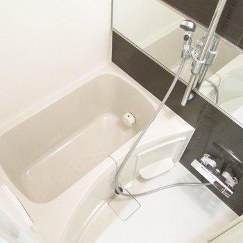 浴室乾燥機付なのは嬉しい!※写真は2階の同間取り別部屋のものです