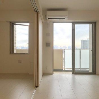 開放感! ※写真は13階同間取り別部屋のものです