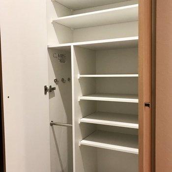 シューズボックス、たくさんはいりそう! ※写真は3階の同間取り別部屋のものです