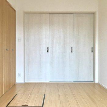 引き戸で仕切れちゃいます! ※写真は3階の同間取り別部屋のものです
