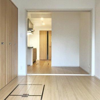 床下にも収納スペースが◯ ※写真は3階の同間取り別部屋のものです