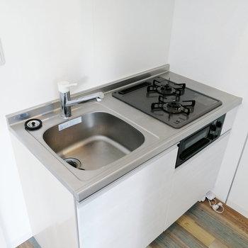 調理スペースはトレーなどで拡充したい。