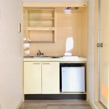 キッチンの横が、水回りの入り口です。