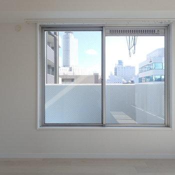 窓からはツインタワー。