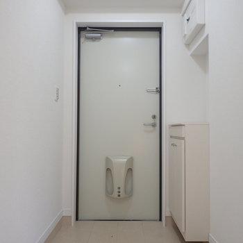 明るい玄関ってやっぱり良いな〜