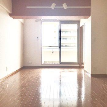 おしゃれライトが嬉しいっ♪ (※写真は同間取り11階の別部屋のものです)