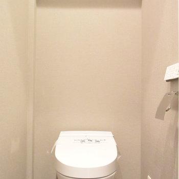 タンクレストイレでスッキリとしたお手洗い空間