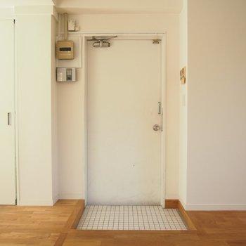 【入り口】最上階にあがるとこんな素敵なお部屋が!