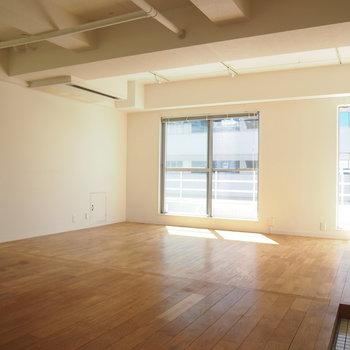 白✕無垢床がなんとも言えなく可愛い、、、!