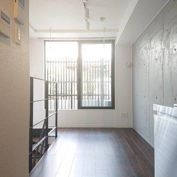 1階はしっかり光が差します※写真は1階の反転間取り別部屋のものです