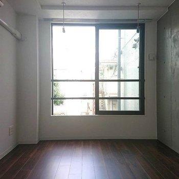 良いかっこよさと良いコンパクトさ※写真は2階の同間取り別部屋のものです