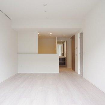 【LD】ソファーをおいてのびのびと。絵画も飾りたい※写真は20階の同間取り別部屋のものです