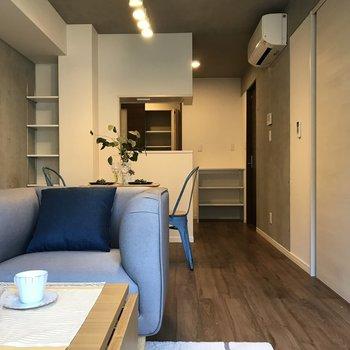 カウンターキッチンが似合う!※写真の家具はサンプルです