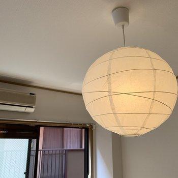 【和室】こちら和室にも、和な照明ついてました。取り外しは可能ですよ〜