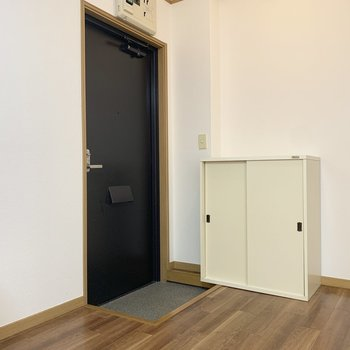 玄関はコンパクトサイズです。