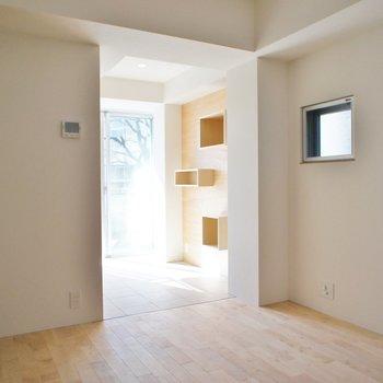 もう一回振り返って ※写真は3階の同間取り別部屋のものです。