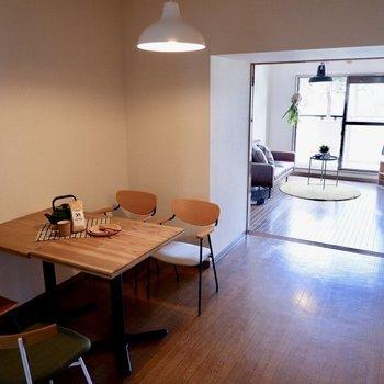 【DK】襖を明け放つ事で、開放的な雰囲気に。※家具・雑貨はサンプルです